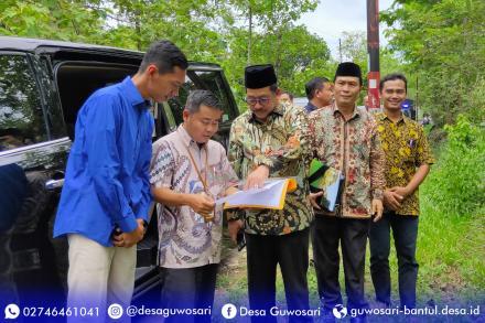 Wakil Menteri Agama RI Kunjungi Desa Guwosari